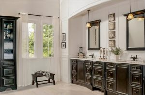 bathroom-cabinets-in-woodstock-black-shiny-vanity